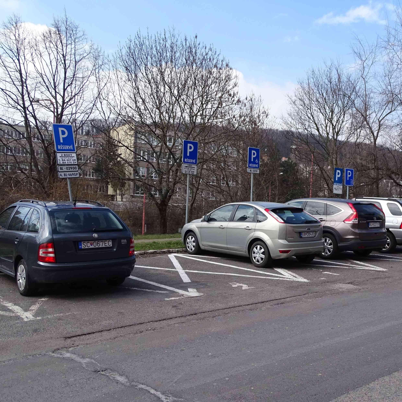 Žiadosť o predĺženie vyhradeného parkovania môžete podať do konca novembra