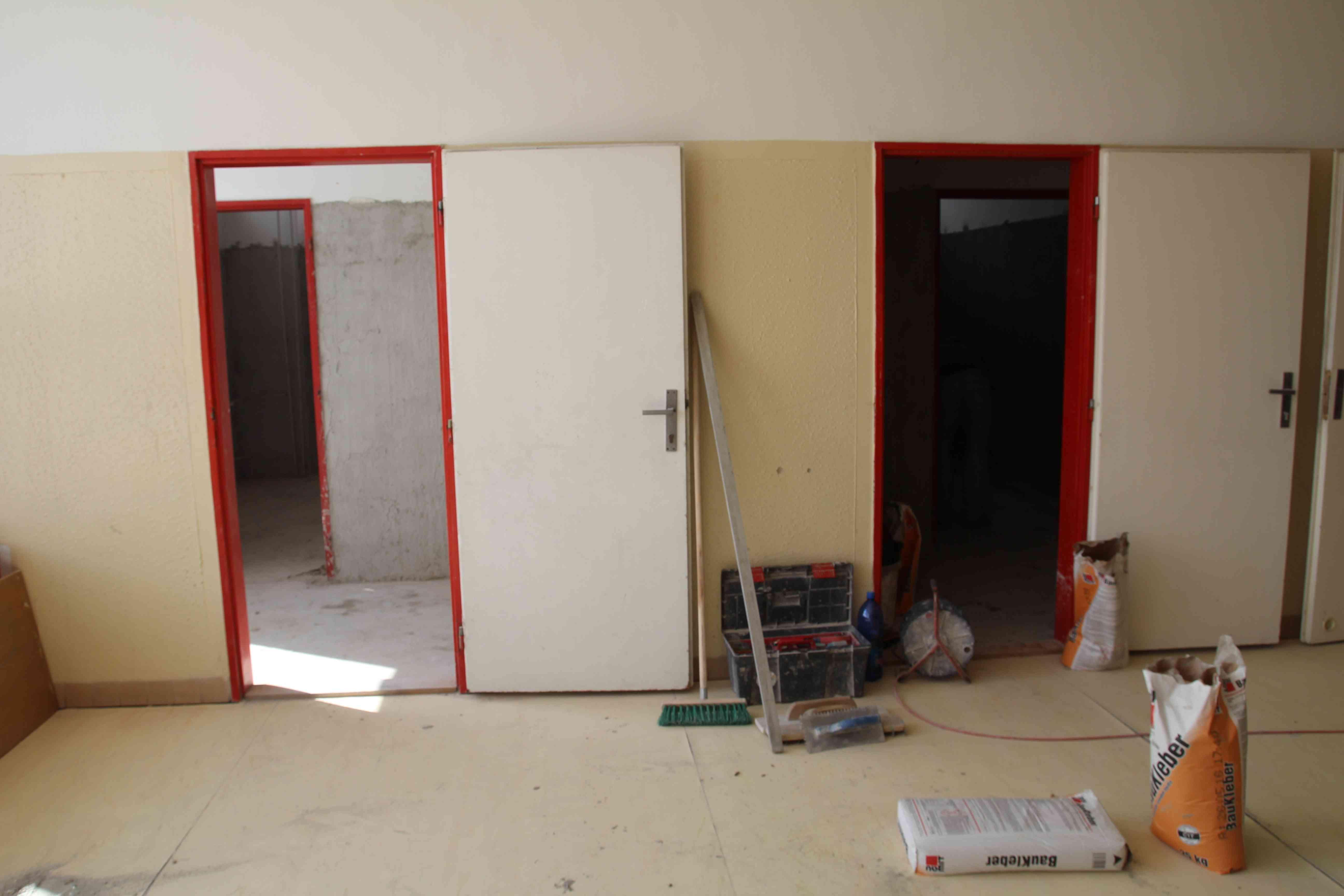 Rekonštrukcia toaliet a umyvární v ZŠ A. Dubčeka na Majerníkovej 62 je v plnom prúde