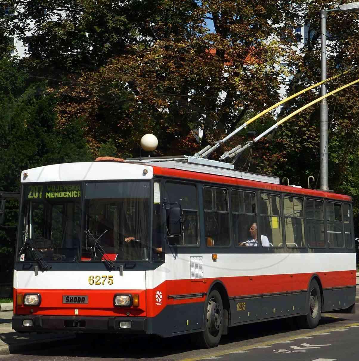 Obmedzenia a výluky MHD pri ceste na Kramáre